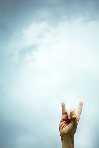 Handzeichen, Satansgruß, Mano cornuta, gehörnte Hand, Untreue, Aberglaube, ralf kopp - Dualsymbolik I 06