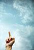 Handzeichen, Mittelfinger, Stinkefinger, Digitus Impudicus, Phallussymbol, ralf kopp - Dualsymbolik I 08 - Hand Jesu