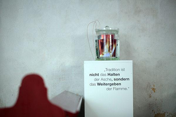 ralf kopp - Zeitgenössische Kunst in Kirchen der Wetterau | Enzheim - konserviertes Feuer